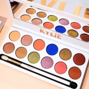 Kylie Cosmetics: Royal Peach Palette 🍑